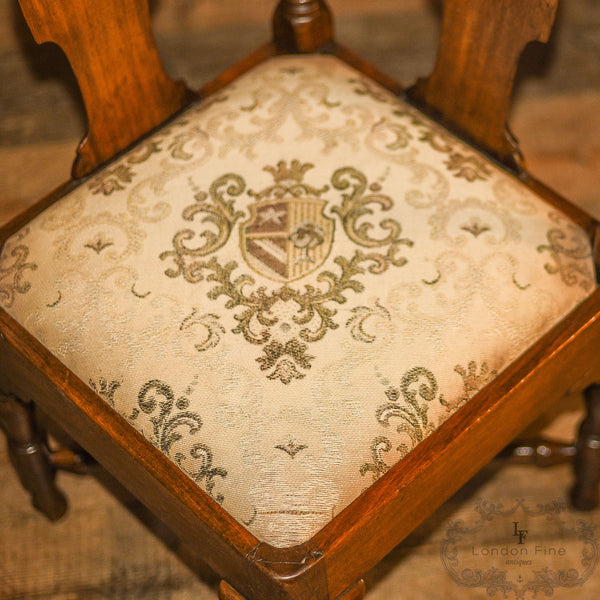 Late Georgian Corner Elbow Chair, c.1790 - London Fine Antiques