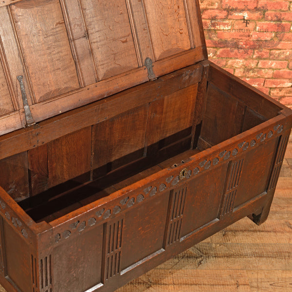 Early Georgian English Oak Coffer, c.1725 - London Fine Antiques