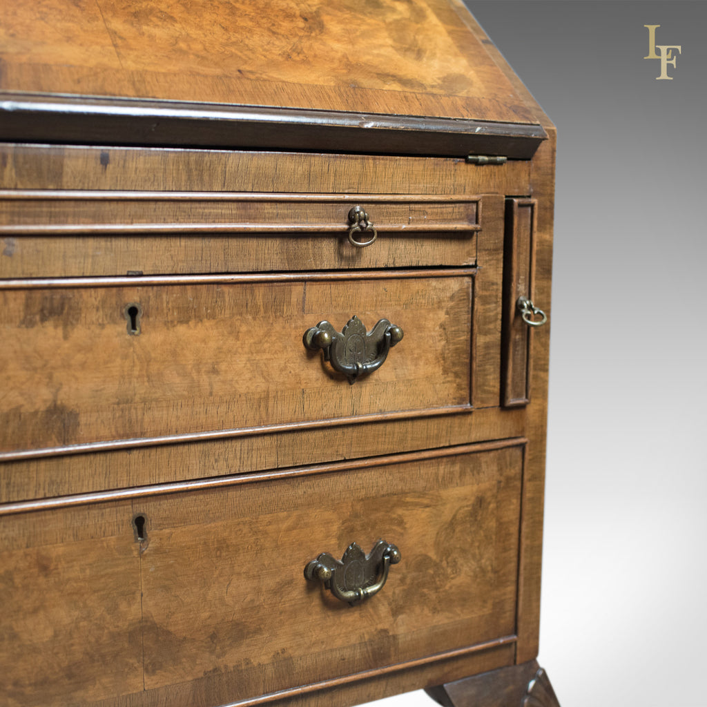Edwardian antique bureau in english queen anne revival for Bureau hardware