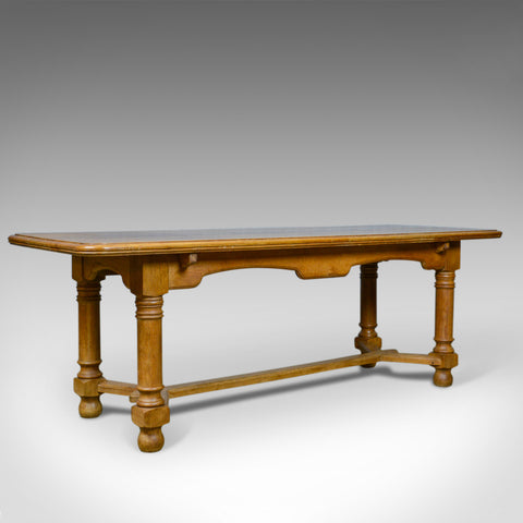 French Antique Dining Table, Oak, Seating up to Six, Early C20th, Circa 1920