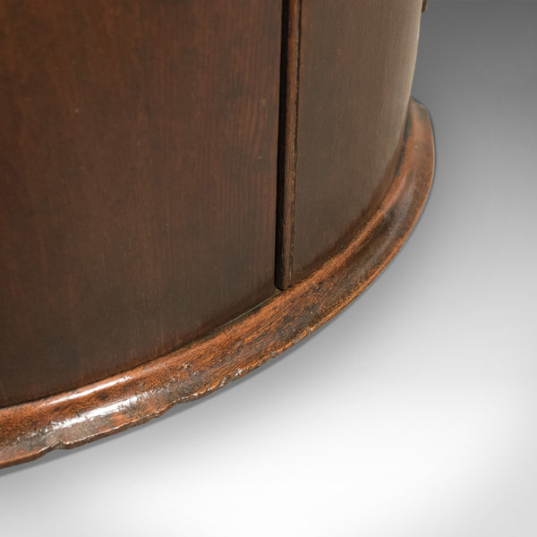 Georgian Antique Bow Fronted Corner Cabinet in Mahogany 18th century c.1780 - London Fine Antiques
