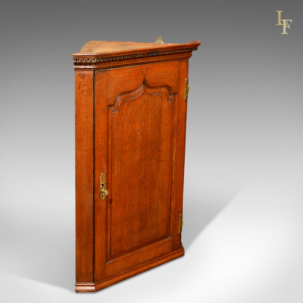 Georgian Hanging Antique Corner Cabinet, c.1780 - London Fine Antiques - Georgian Hanging Antique Corner Cabinet, C.1780 – London Fine Antiques