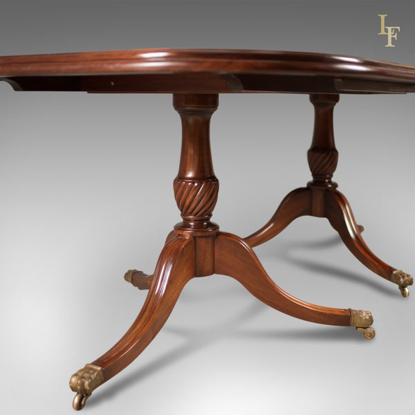 Late 20th Century Extending Dining Table in the Regency Taste