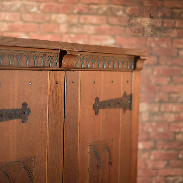 Mid-Century Arts & Crafts Wardrobe in Oak - London Fine Antiques