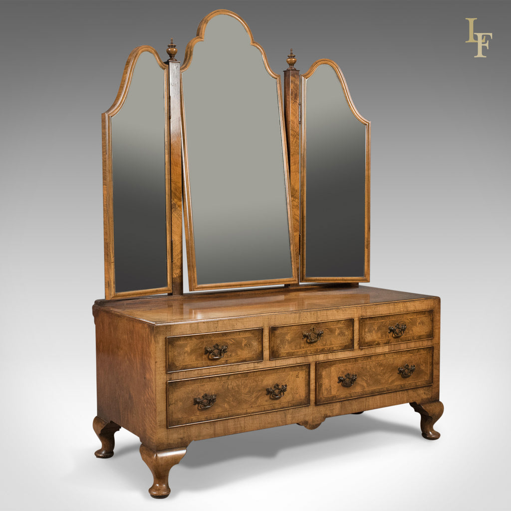 Walnut Dressing Table in the Queen Anne Taste, Bartholomew & Fletcher c.1915 - London Fine Antiques