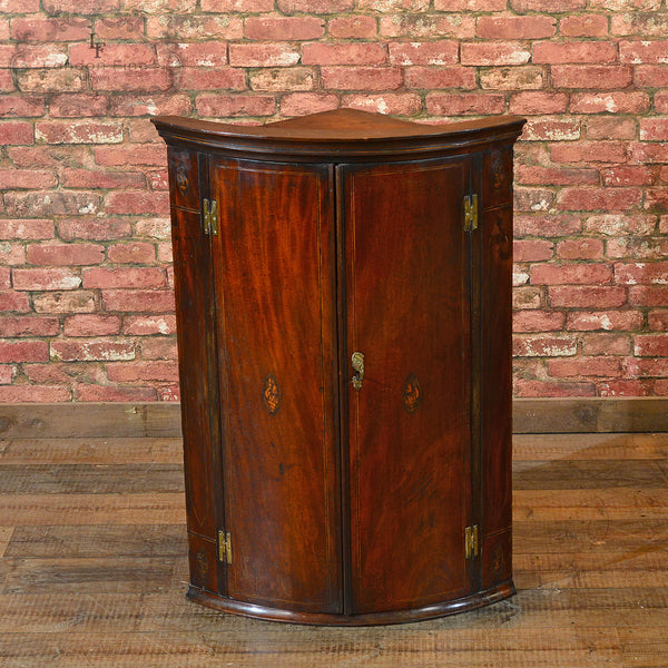 Georgian Bow Fronted Corner Cabinet, c.1780 - London Fine Antiques - 2