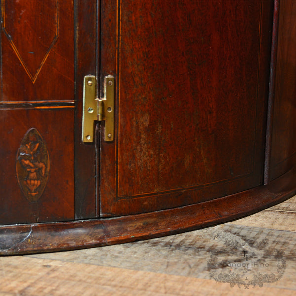 Georgian Bow Fronted Corner Cabinet, c.1780 - London Fine Antiques - 5