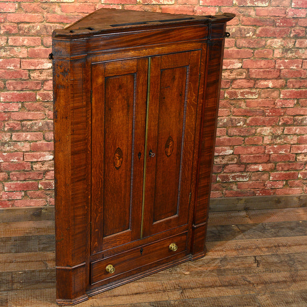 Georgian Corner Cupboard, c.1780 - London Fine Antiques