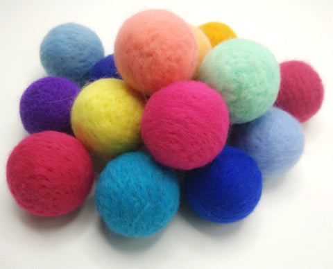Pure Wool Felted beads @ 大樹孩子生活館             Tree Children's Lodge, Hong Kong