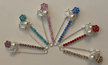 Load image into Gallery viewer, Pearl Flower Sparkle Pin Back Safety Pins