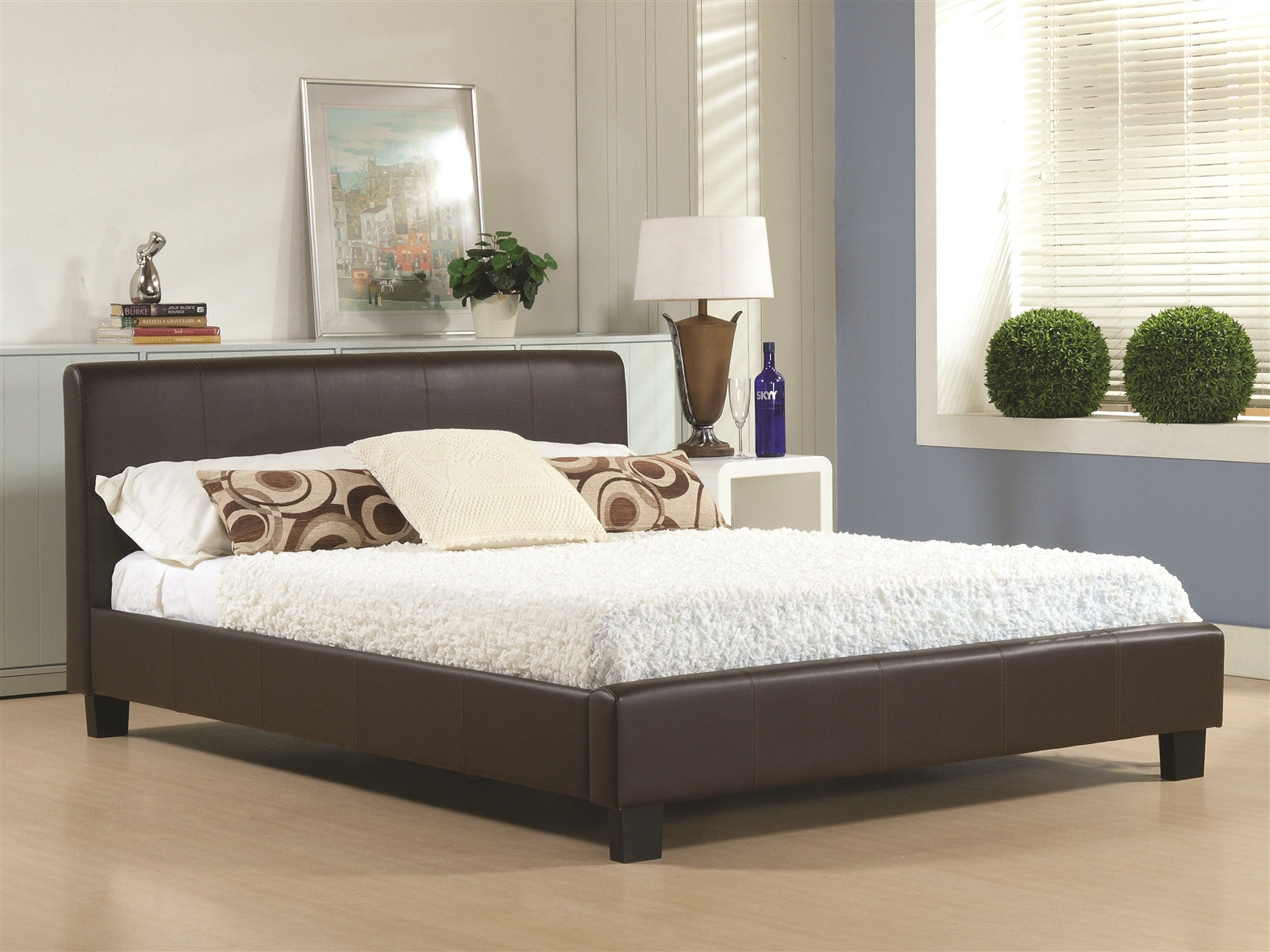 Hamburg Bed in Brown Real Leather
