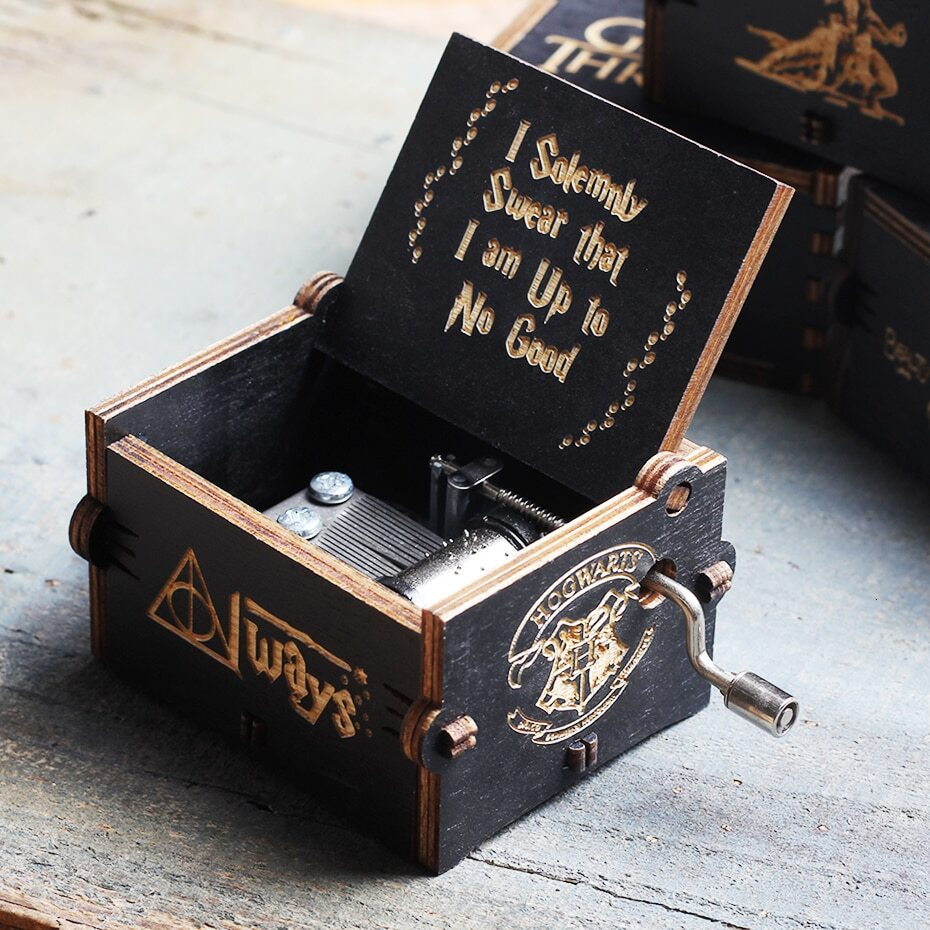 Wooden Memories Hand Crank Music Box