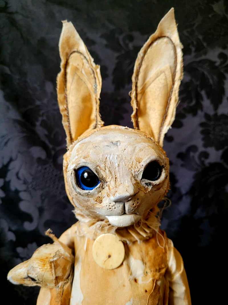 PIMPINELLA Rabbit Sculpture