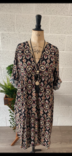 Load image into Gallery viewer, Printed V Neck Tunic