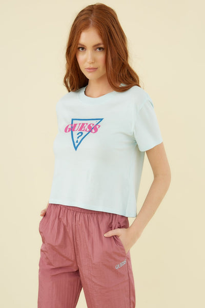GUESS ORIGINALS TRIANGLE LOGO CROP TEE - Guess
