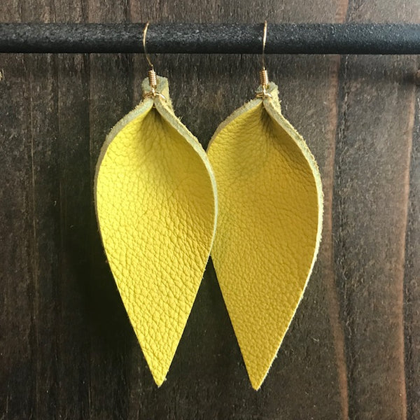 YELLOW SINGLE LEAF EARRINGS