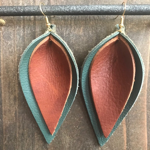 HUNTER AND BISON DOUBLE LEAF EARRINGS