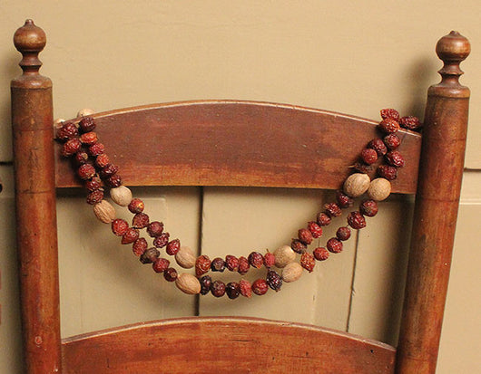 CD-G2 Rosehip & Nutmeg Garland