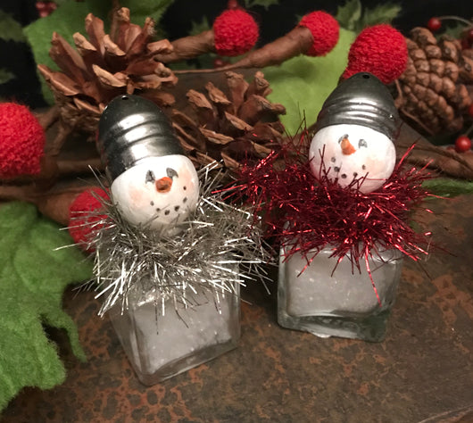 AL-S02 Small Glass Salt Shaker Snowman