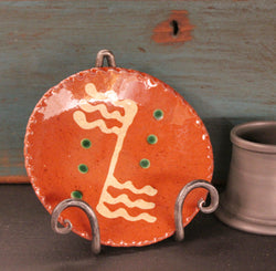 DTS-0327-12 Mini Redware Plate [Flags & Dots]