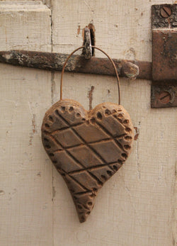 BB-BRH Brown Wax Heart Hanger