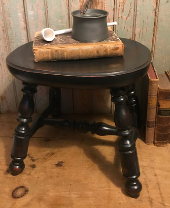 LC-PCS-B Black Pennsylvania Cricket Stool