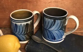 SJP-2061 Garland Stoneware Mug - Set of 2