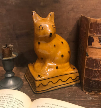 GMS-372 Shooner Redware Spotted Cat Doorstop