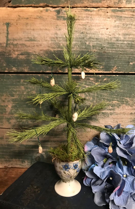 NV-FT59 Vintage Blue Floral Egg Cup Feather Tree