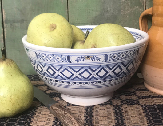 SE-79 Medium Pottery Bowl with Delft Design