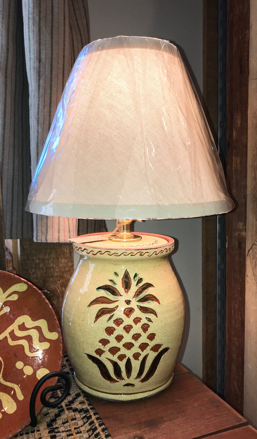 DTS-L47 Pineapple Redware Lamp