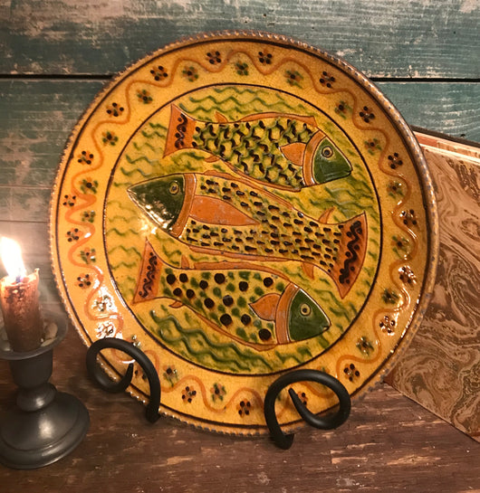 GMS-226 Shooner Redware 3 Fish Round Plate