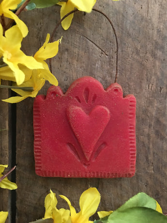BB-TH Red Wax Tombstone Heart Hanger