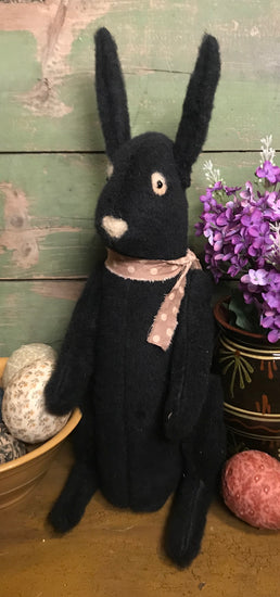 PO-2018 Black Sitting Bunny