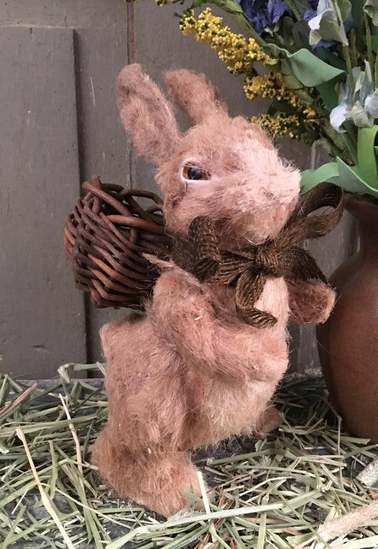 GG-BR Brer Rabbit with Twig Basket