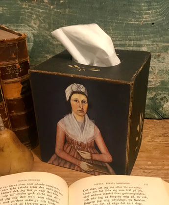 NV-TC10 Lady with Book Tissue Cover