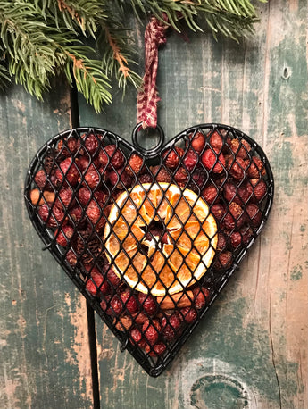 CW-08 Wire Heart with Orange Scented Rosehips