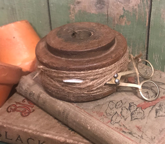 KA-S06 Antique Spool with Twine & Scissors
