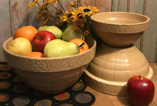 NV-3B Yellow Pottery Redware Mixing Bowls - Set of 3
