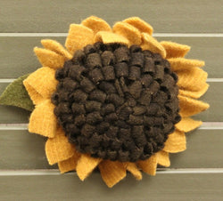 LE-SPIN Wool Sunflower Pin
