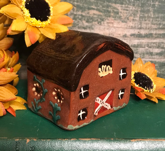 KS-2003 Redware Barn with Daisies