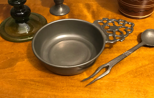 TPH-1960 Pewter Ridged Porringer