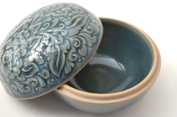 ceramic box, celadon glaze, ceramic trinket box, open view