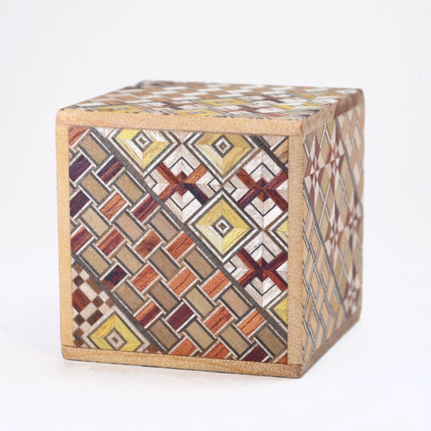 puzzle box | Koyosegi pattern on Japanese puzzle box, cube box