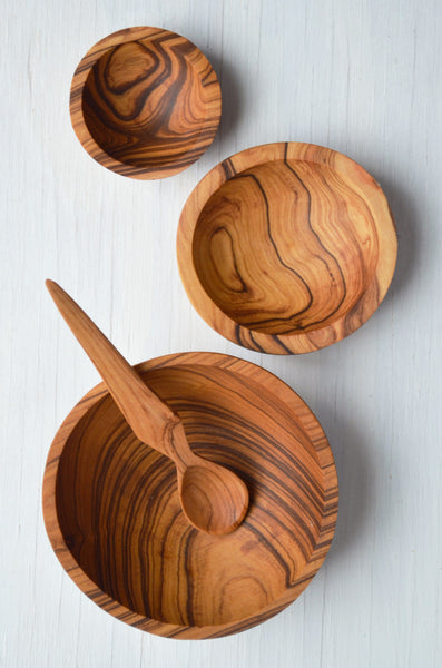 hand-carved olive wood spice bowls and spoon, set of four