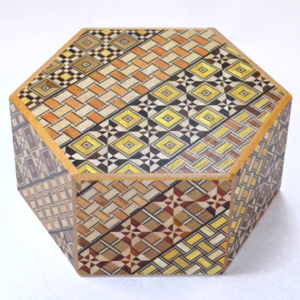 puzzle box | japanese puzzle box with koyosegi pattern