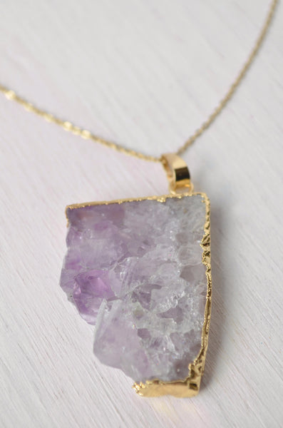 purple crystal and gold edge pendant necklace detail view