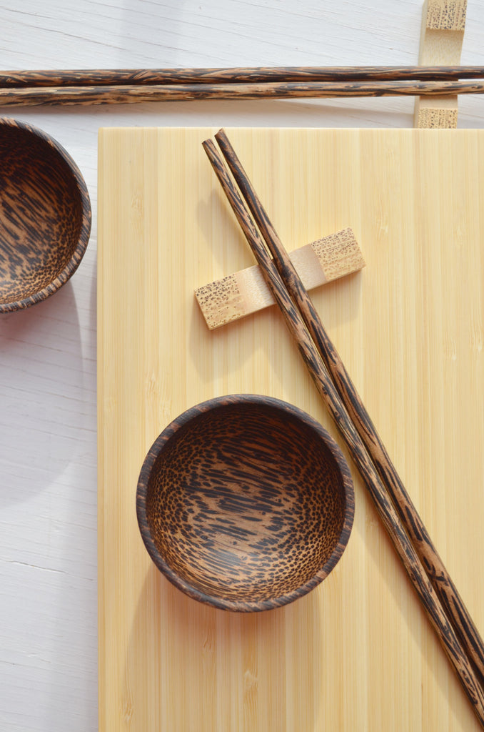 sushi gift set for two, with palm wood bowls