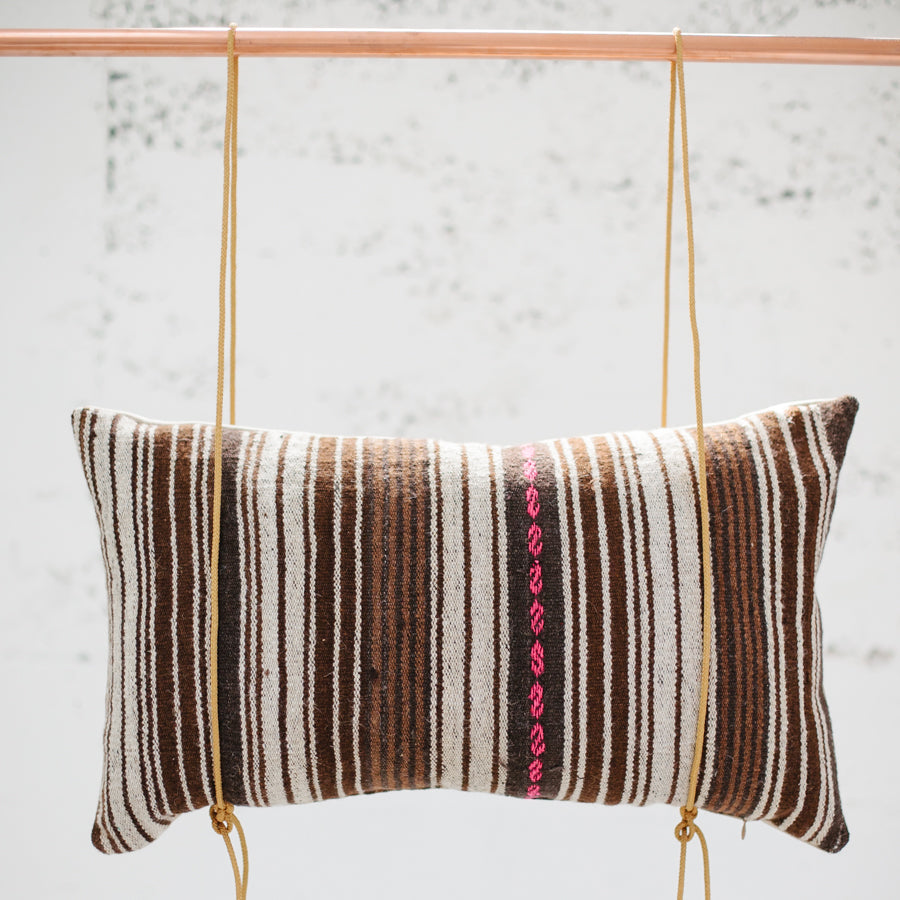 LIMITED EDITION | PERUVIAN STRIPE WITH PINK PILLOW