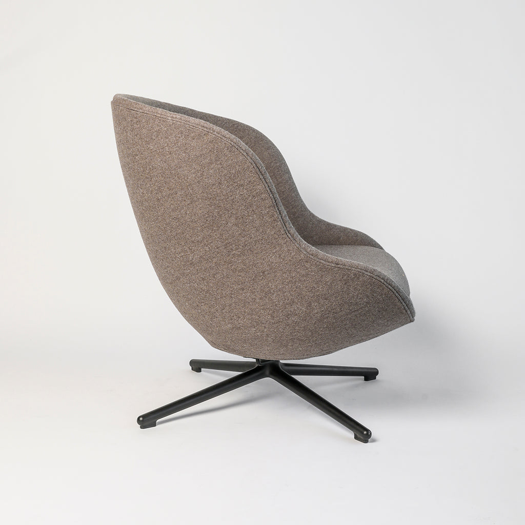 Hyg Chair, low, swivel base with tilt